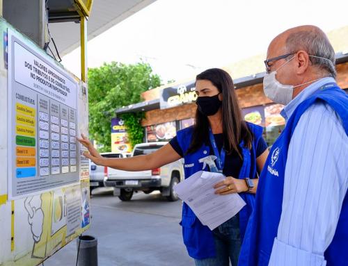 Prodecon de Petrolina fiscaliza cumprimento de decreto que obriga postos a detalhar preço do combustível